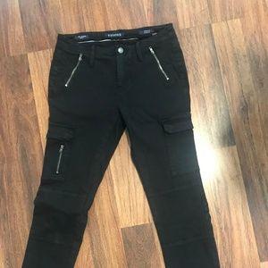 Black Skinny Pants with Zipper Detailing